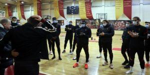 Omar Elabdellaoui, Fatih Terim ve takım arkadaşlarıyla bir araya geldi