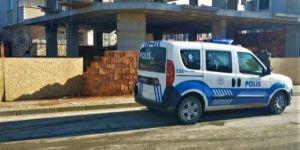 Darıca Sırasöğütler Mahallesi'nde bir inşaatta çalışan işçi elektrik akımına kapıldı.