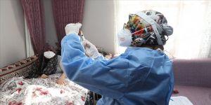 Sağlık Bakanı Koca: Büyüklerimizin kıymetini bilerek onları korumak sorumluluğumuz