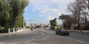 KKTC'de Kovid-19 tedbirleri kapsamında Lefkoşa'da 7, Girne'de 14 günlük tam kapanma başladı