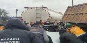 Gebze'de zincirleme trafik kazasında iki kişi yaralandı