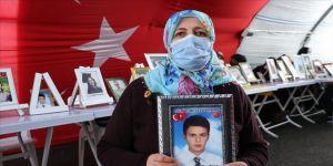 Diyarbakır annelerinden Övünç: Kar da yağsa oğlumu almadan gitmeyeceğim