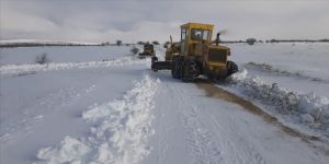 Malatya ve Adıyaman'da kar hayatı olumsuz etkiliyor