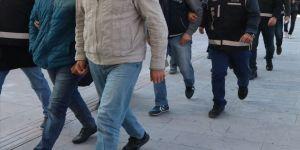 Diyarbakır'da yakalanan gri kategorideki teröristin teşhisiyle iş birlikçi 13 şüpheli yakalandı