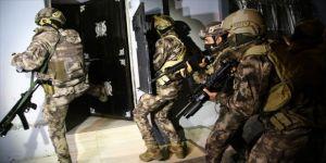 Adana'da sosyal medya aracılığıyla uyuşturucuya özendirenlere yönelik operasyon