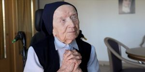 'Avrupa'nın en yaşlı insanı' rahibe Lucile Randon Kovid-19'u yendi