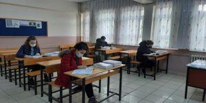 Büyükşehir'den öğrencilere TYT ve LGS test kitap setleri