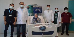 Muğla'da Kovid-19'u yenen 98 yaşındaki kadın taburcu edildi