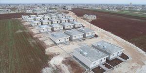 İHH, İdlib'de 'Yaşam Evleri' projesiyle briket evler inşa edecek