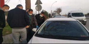 Gebzede  park halindeki otomobilin camı kırılarak aracın ruhsat çalındı.
