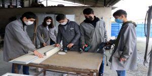 Meslek lisesi öğrencileri köy okulları için seferber oldu