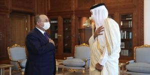 Dışişleri Bakanı Çavuşoğlu, Katar Emiri Şeyh Temim tarafından kabul edildi