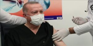 Cumhurbaşkanı Recep Tayyip Erdoğan, Kovid-19 aşısının ikinci dozunu yaptırdı.
