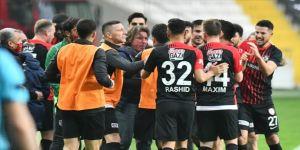 Süper Lig ekibi Gaziantep'te 2'si futbolcu 4 kişi Kovid-19'a yakalandı