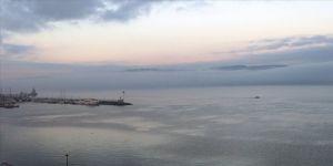 Çanakkale Boğazı kar yağışı ve fırtına nedeniyle çift yönlü transit gemi geçişlerine kapatıldı