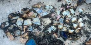 Gebze'de yanan prefabrik evden tomar tomar para ve altın çıkardılar