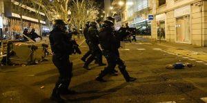 İspanya'da tutuklu rap sanatçısı için yapılan gösterilerde 33 kişi yaralandı,15 kişi gözaltına alındı