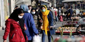 İran'da son 24 saatte Kovid-19'dan 68 kişi hayatını kaybetti
