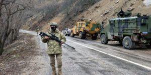Terör örgütü PKK/KCK'dan kaçan 2 terörist ikna yoluyla teslim oldu