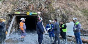 Çanakkale'de göçük meydana gelen maden ocağında mahsur kalan işçiyi kurtarma çalışması devam ediyor