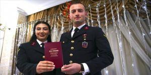 Asker çift üniformayla dünyaevine girdi