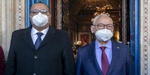 BAE'nin Tunus'a hibe ettiği aşılar ülkedeki siyasi krizi derinleştirdi