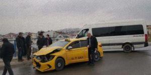 Gebze Beylikbağı Mahallesi'nde trafik kazası meydana geldi