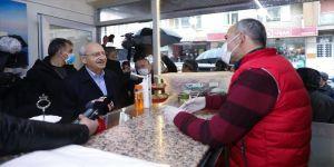 CHP Genel Başkanı Kemal Kılıçdaroğlu Uşak'ta esnaf ve çiftçilerle bir araya geldi