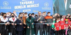Gençlik ve Spor Bakanı Kasapoğlu: Gençlik Merkezleri'miz gençlerin yuvasıdır