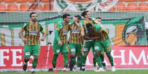 Aytemiz Alanyaspor'dan bol gollü galibiyet