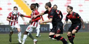 Demir Grup Sivasspor sahasında kazandı