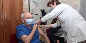 CHP Genel Başkanı Kılıçdaroğlu, Kovid-19 aşısının ikinci dozunu yaptırdı