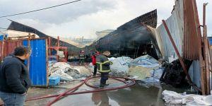 Gebze'de, bir işyerinin tesisinde yangın çıktı