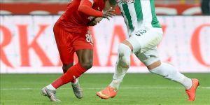 Demir Grup Sivasspor, Süper Lig'in 34. haftasında yarın İttifak Holding Konyaspor ile karşılaşacak.