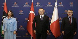 Dışişleri Bakanı Çavuşoğlu Libyalı ve Maltalı mevkidaşlarıyla üçlü toplantıda bir araya geldi