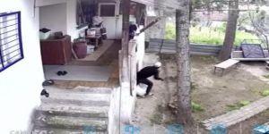 Gebze'de ev hırsızları güvenlik kamerasına yakalandı
