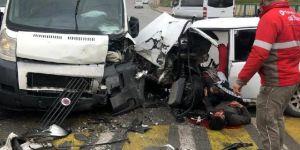 Akse Mahallesi Fevzi Çakmak Caddesi üzerinde trafik kazası meydana geldi.