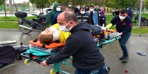 Gebze'de motosiklet ile otomobil çarpıştı