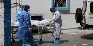 Çin'den Kovid-19 vakalarındaki artış nedeniyle sıkıntı yaşayan Hindistan'a 'tıbbi yardım' önerisi
