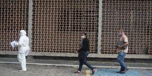 Latin Amerika ülkelerinde Kovid-19'a bağlı can kayıpları artmaya devam ediyor.