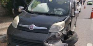 Gebze D-100 kara yolu yan yol mevkiinde trafik kazası meydana geldi