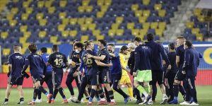 Fenerbahçe şampiyonluk yarışında kopmadı