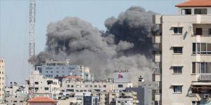 İsrail savaş uçakları AP ve Al Jazeera ofislerinin de bulunduğu binayı vurdu