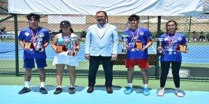 Gençlik ve Spor Bakanı Kasapoğlu: İnsanımızın mutluluğu için sonuna kadar koşacağız