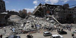 İsrail'in Gazze'ye düzenlediği saldırılarda binlerce kitap yok oldu