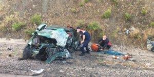 Hatalı sollama kaza getirdi, 2'si ağır 3 kişi yaralandı