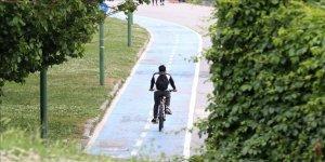 Yeni tip koronavirüs (Kovid-19) sürecinde spor ve ulaşım amaçlı bisiklet kullanımında önemli ölçüde artış yaşandı, üreticiler talebi karşılamada zorlandı.