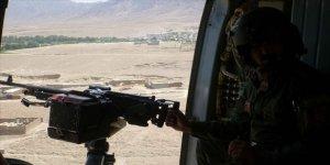 Afganistan'da ordunun Taliban'a yönelik hava saldırılarında aralarında sivillerin de olduğu en az 20 kişi öldü