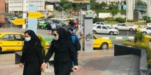 İran'da son 24 saatte Kovid-19'dan 122 kişi hayatını kaybetti