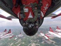 Türk Yıldızları ters uçuşla selfie yaptı